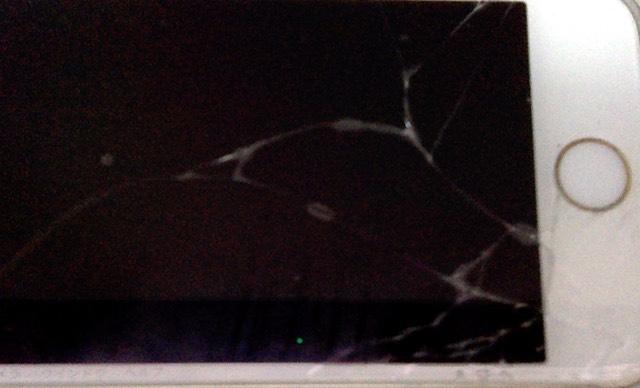 iPhoneの画面が割れた・・・・