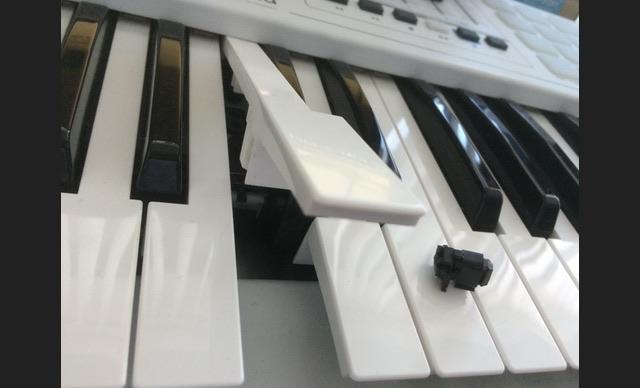 Arturia KEYLAB 49の鍵盤が壊れた。。。。